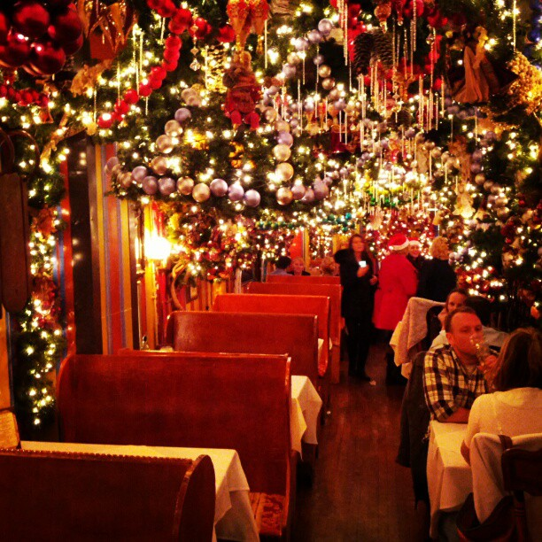 828694758043382ee21ao  Fleeting Life ~ 031218_Christmas Decoration Ideas For A Restaurant